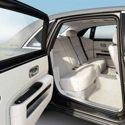 Rolls_Royce_Ghost_Series_ll_Extended_Wheelbase_Interior_2015_india_carcrox